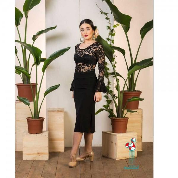 Falda de ensayo para baile flamenco. Modelo Bangui, color negra vista completa