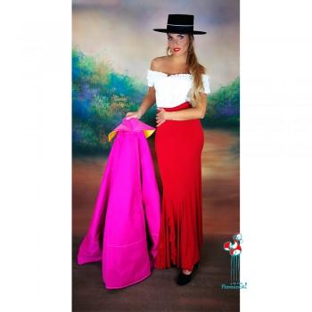 Falda de ensayo de flamenca roja y camisa blanca para clases de flamenco