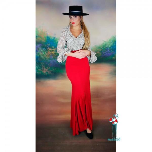 Falda de ensayo flamenca roja y camisa beige con volantes